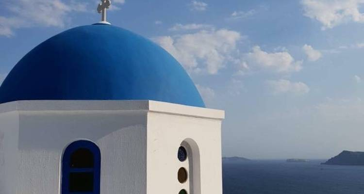 Island Hopping in Greece. Tours to Santorini and other Greek Islands.