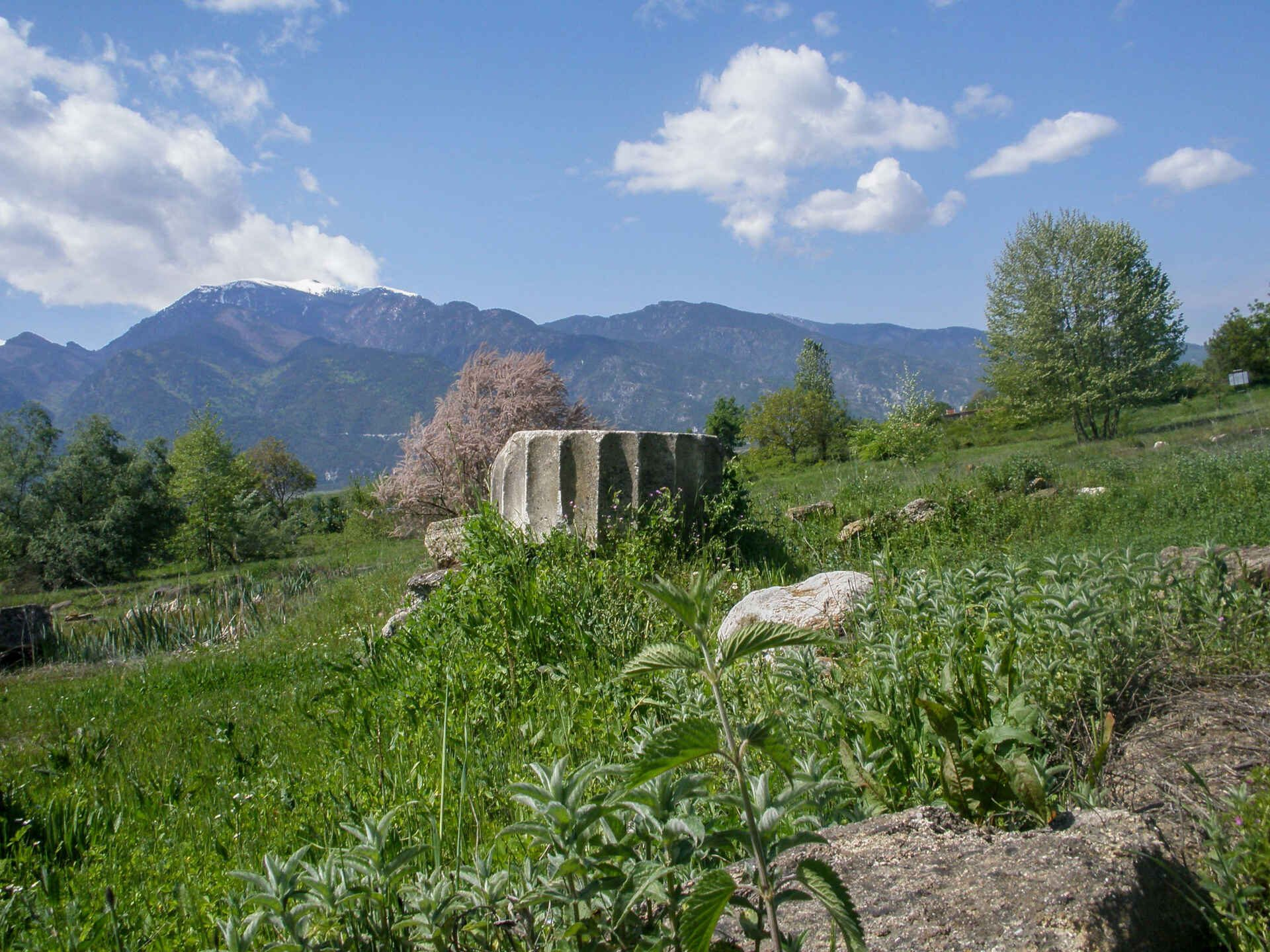 In Dion Olympos you can see the remains of roman thermal baths and of many Greek temples.