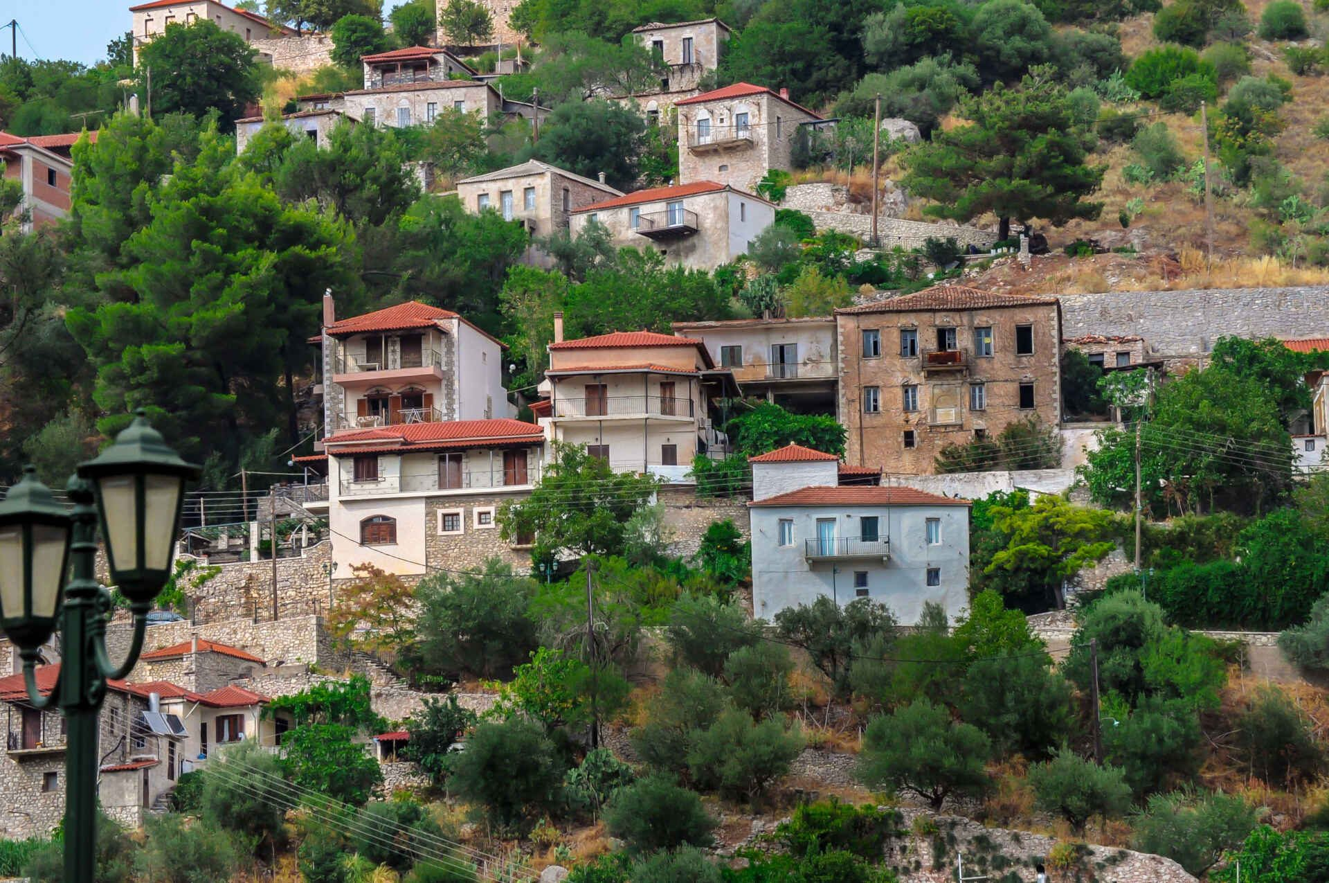 During our Road Trip Peloponnese we visited the village of Karytaina in Arcadia.
